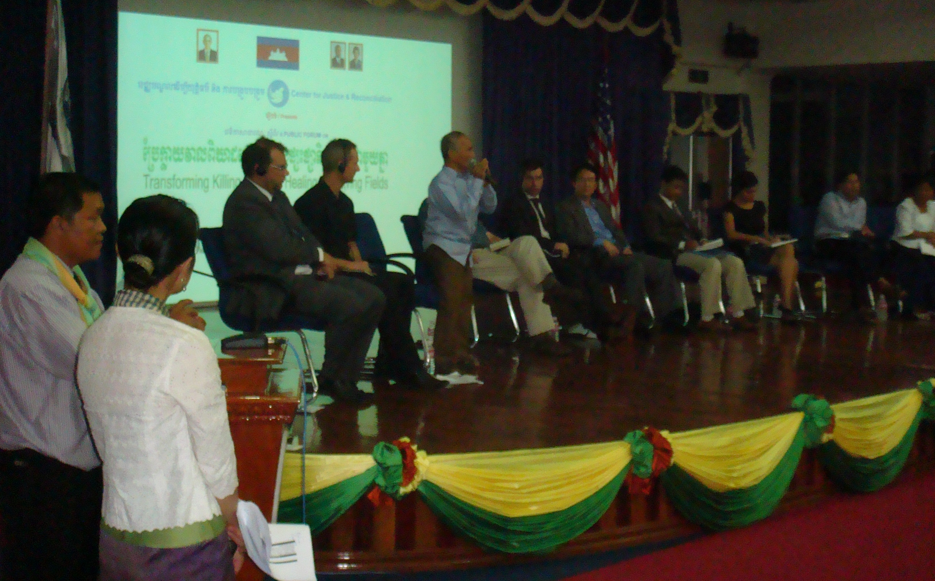 Panelists at CJR public forum, 23 July 2010
