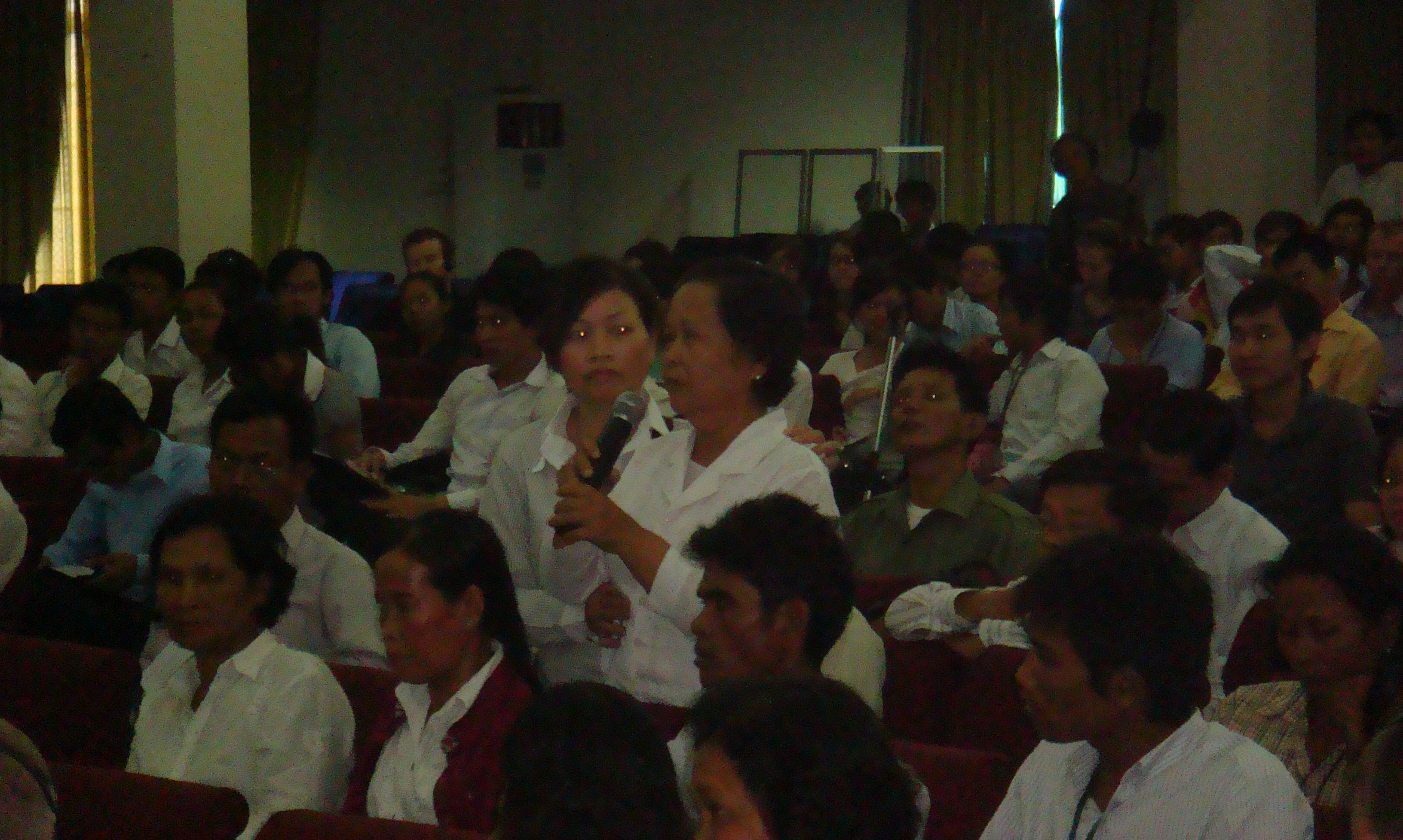 Koh Kong lady who discovered murdered relative at our provincial tour visit of Tuol Sleng (CJR public forum, 23 July 2010)