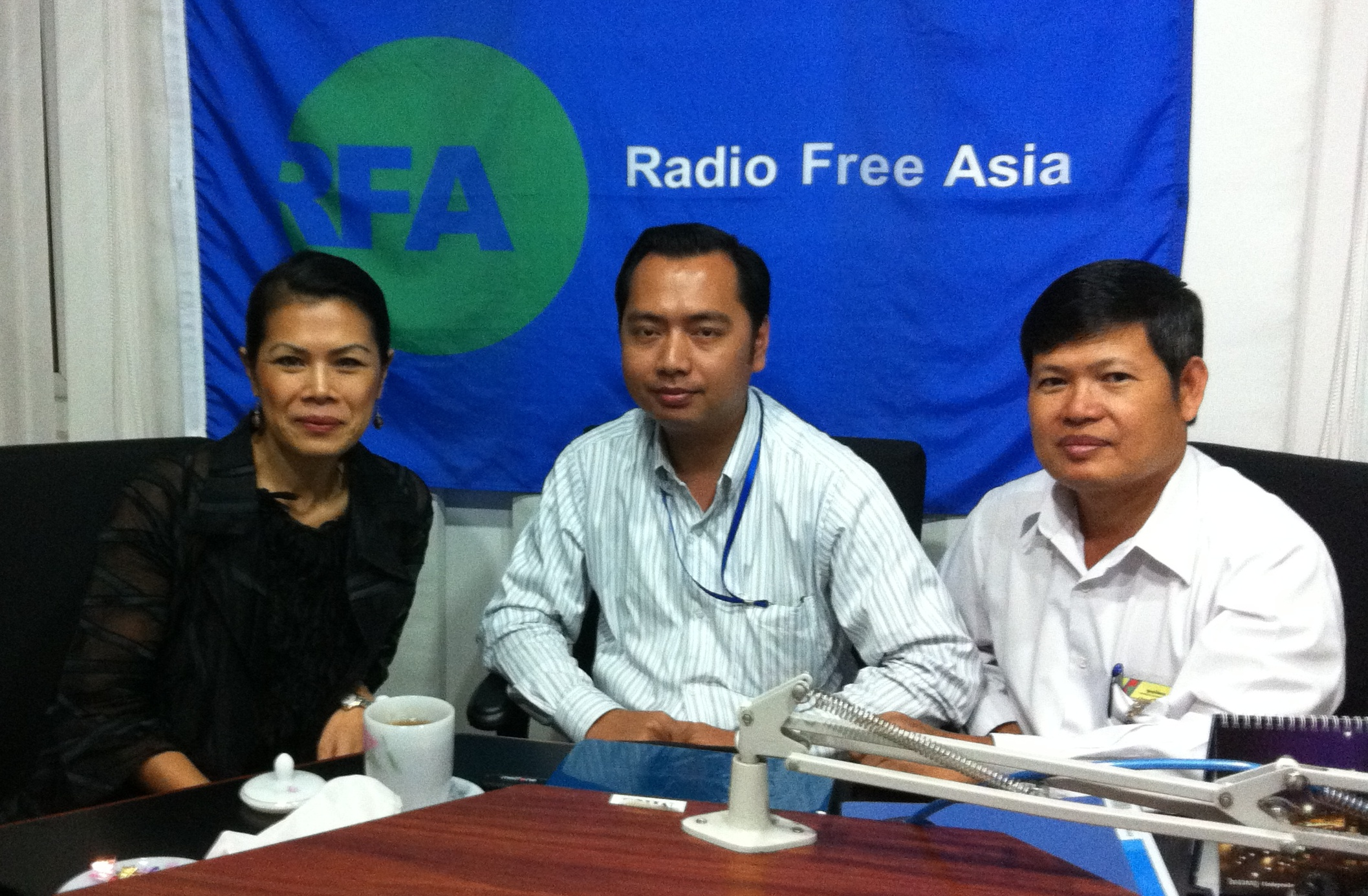 RFA call-in with Theary Seng, Neth Pheaktra, Leng Maly, Chey Theara, 25 Nov. 2011